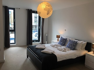 Spacious bedroom at Still Life Southwark Executive - Citybase Apartments
