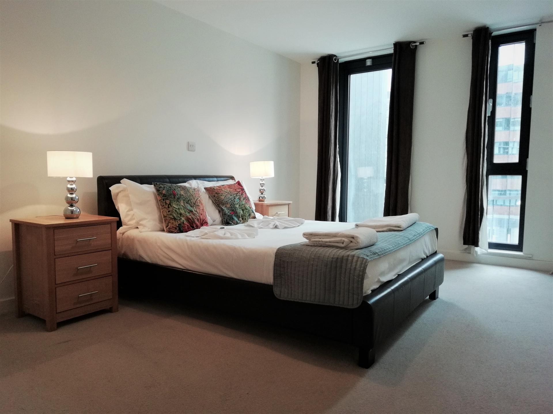 Large bedroom at Still Life Southwark Executive, Southwark, London - Citybase Apartments