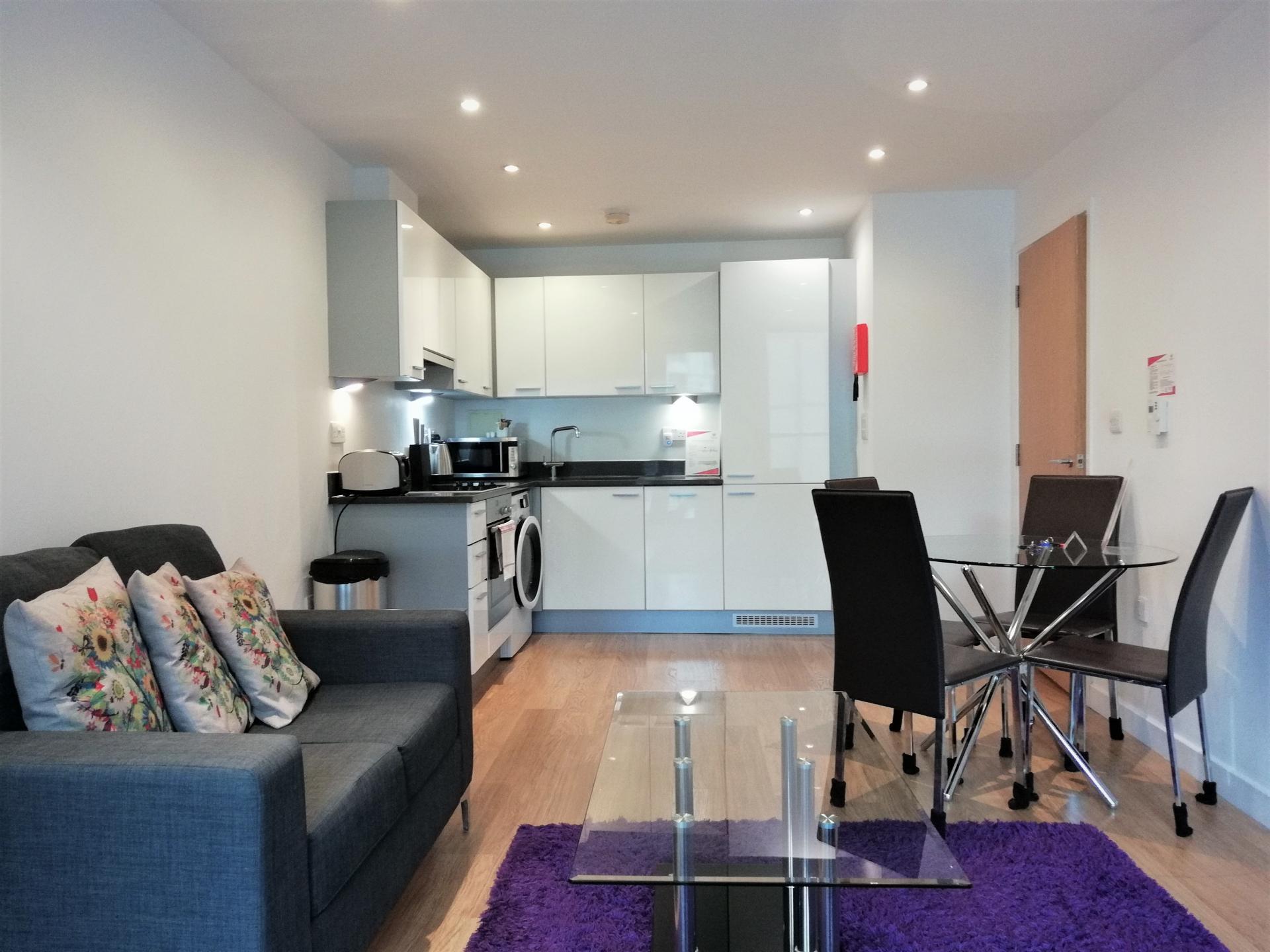 Dining area at Still Life Southwark Executive, Southwark, London - Citybase Apartments