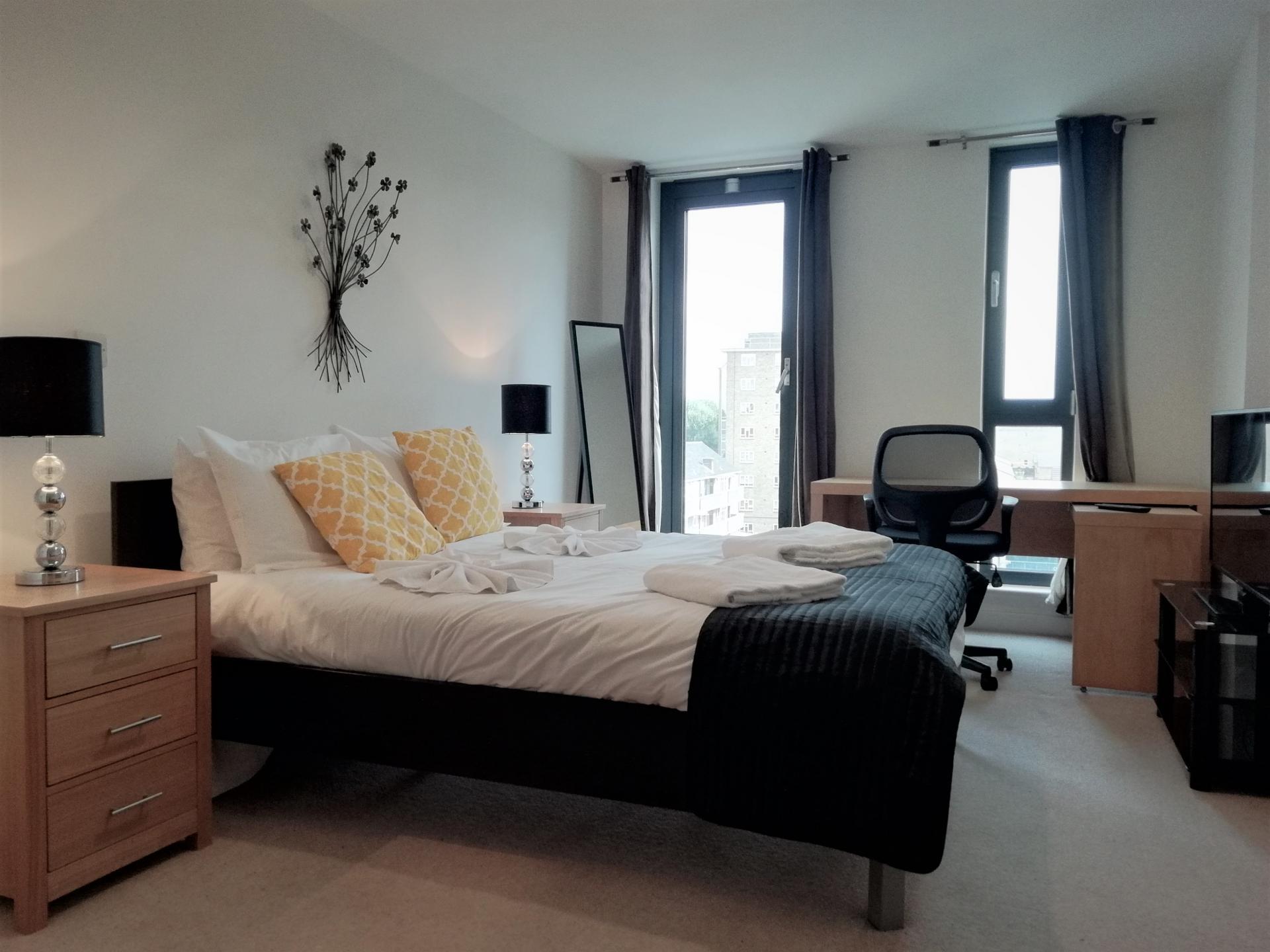 Double bed at Still Life Southwark Executive, Southwark, London - Citybase Apartments