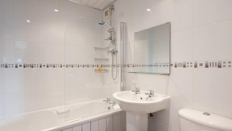 Bathroom at Brunswick Apartment - Citybase Apartments