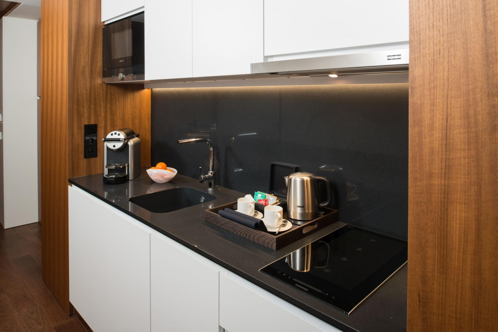 Kitchen at Fraser Suites Geneva, Centre, Geneva - Citybase Apartments