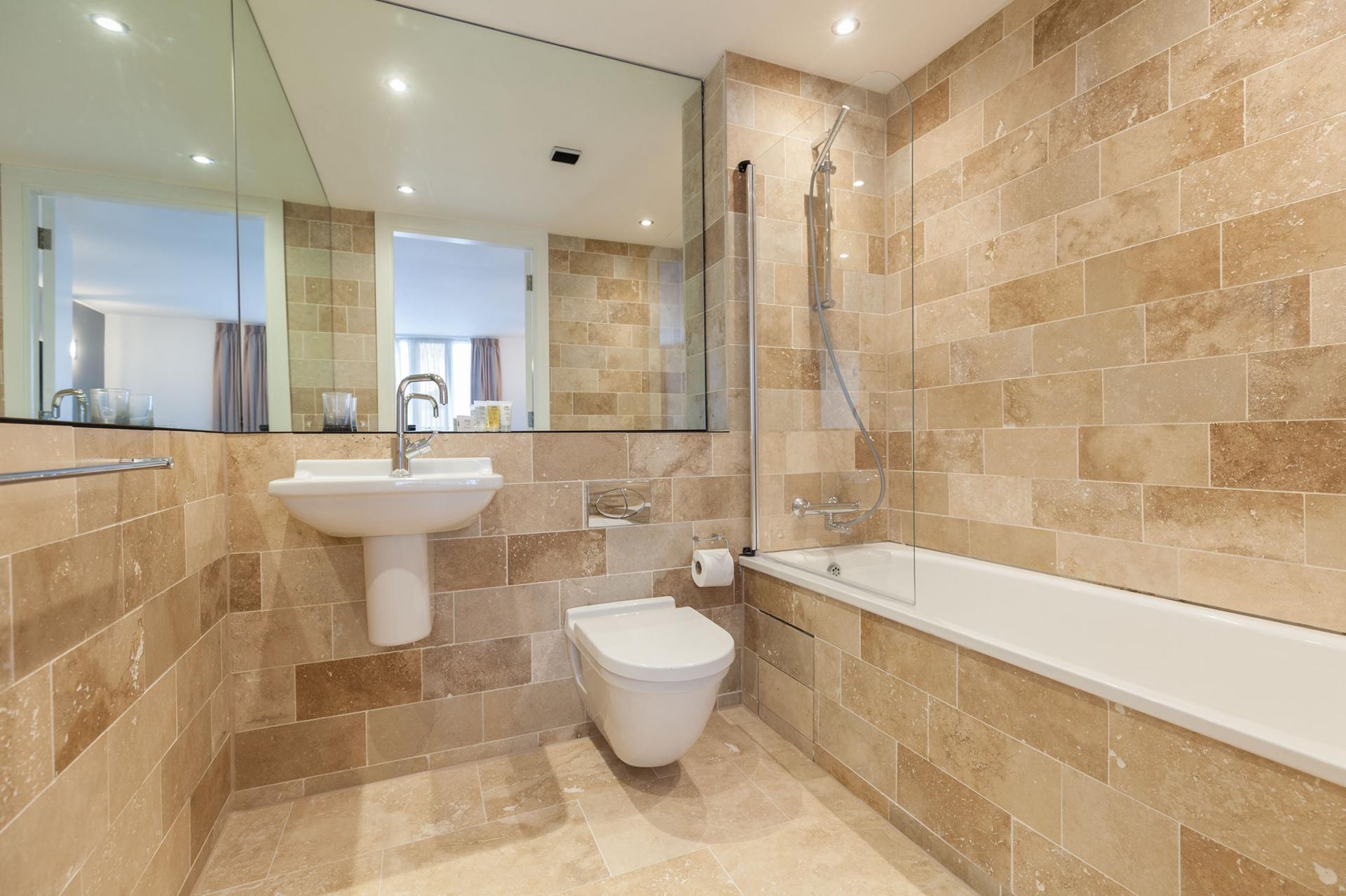 Family bathroom at Sinclair Apartments, Centre, Sheffield - Citybase Apartments