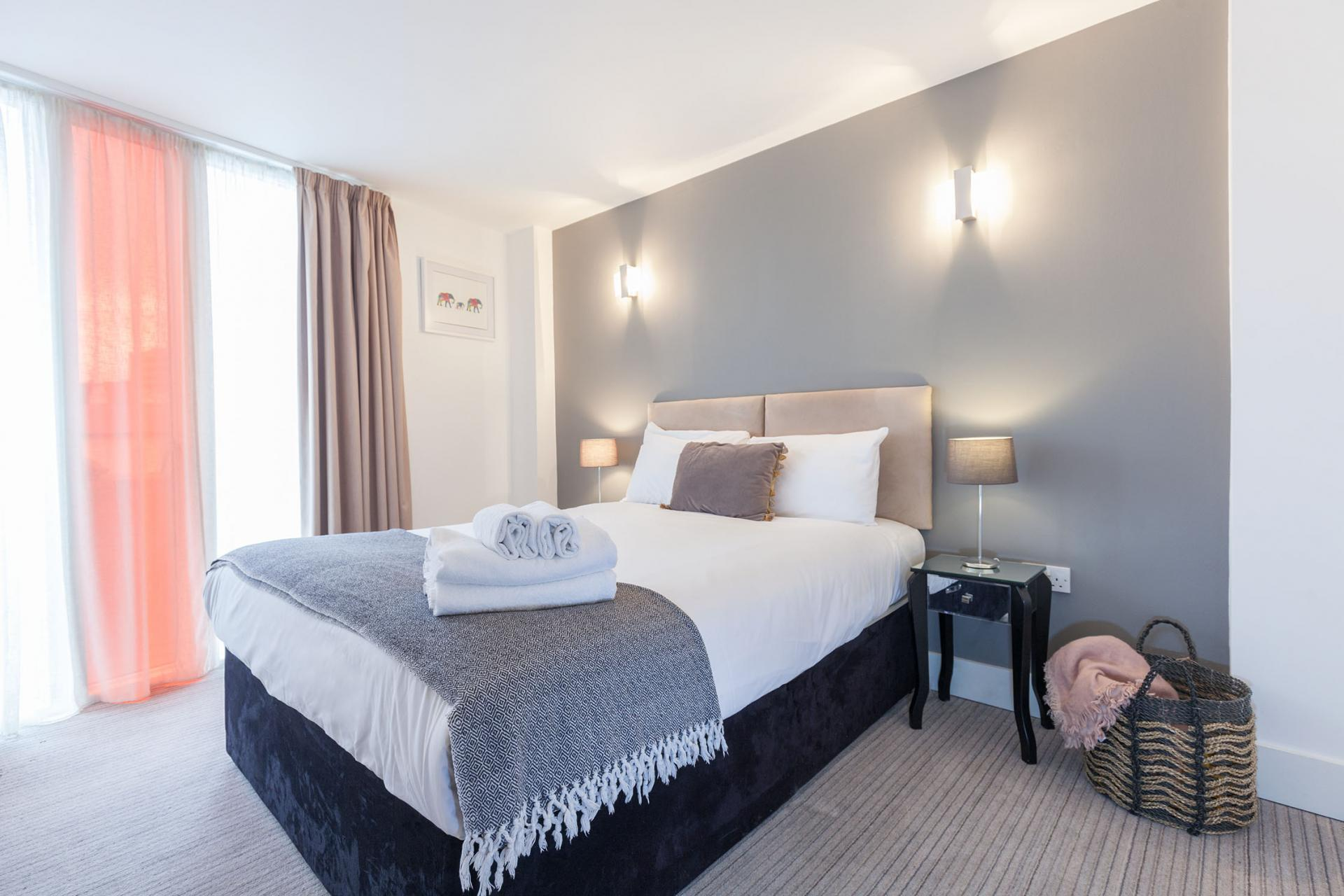 Guest bedroom at Sinclair Apartments, Centre, Sheffield - Citybase Apartments