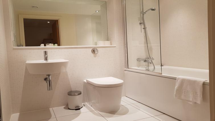 Bathroom at the Still Life Canary Wharf Executive - Citybase Apartments