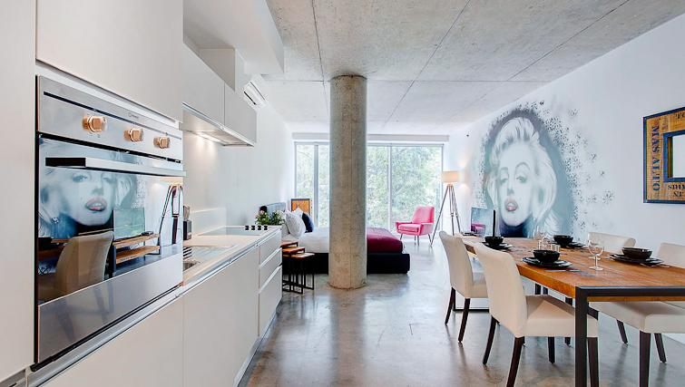 Modern design kitchen at Loft Apartments - Citybase Apartments