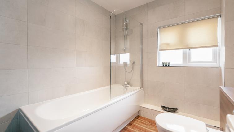 Bathroom at Friar House Apartments - Citybase Apartments