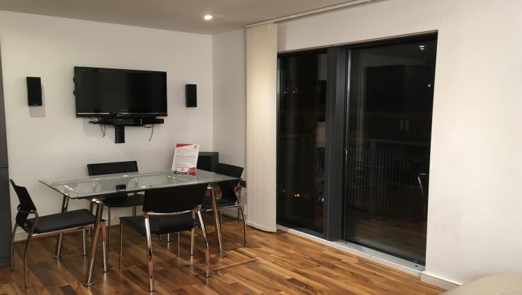 TV at Still Life King's Cross - Citybase Apartments