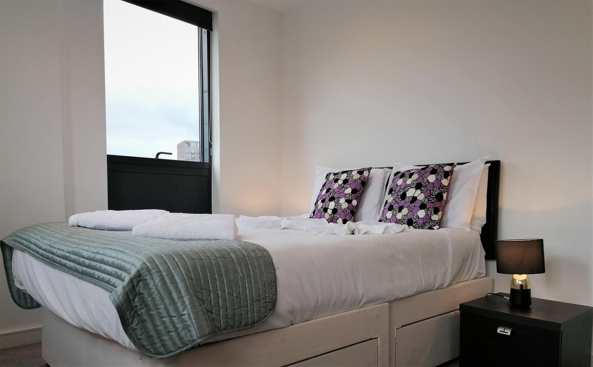 COmfy bed at Still Life King's Cross - Citybase Apartments