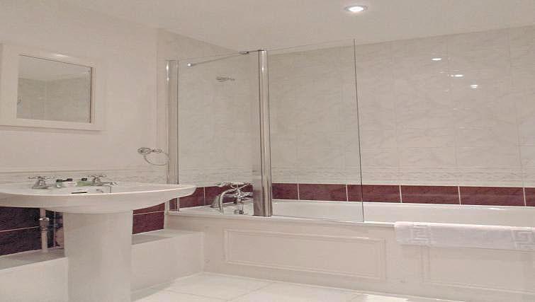 Bathroom at Still Life St Paul's - Citybase Apartments