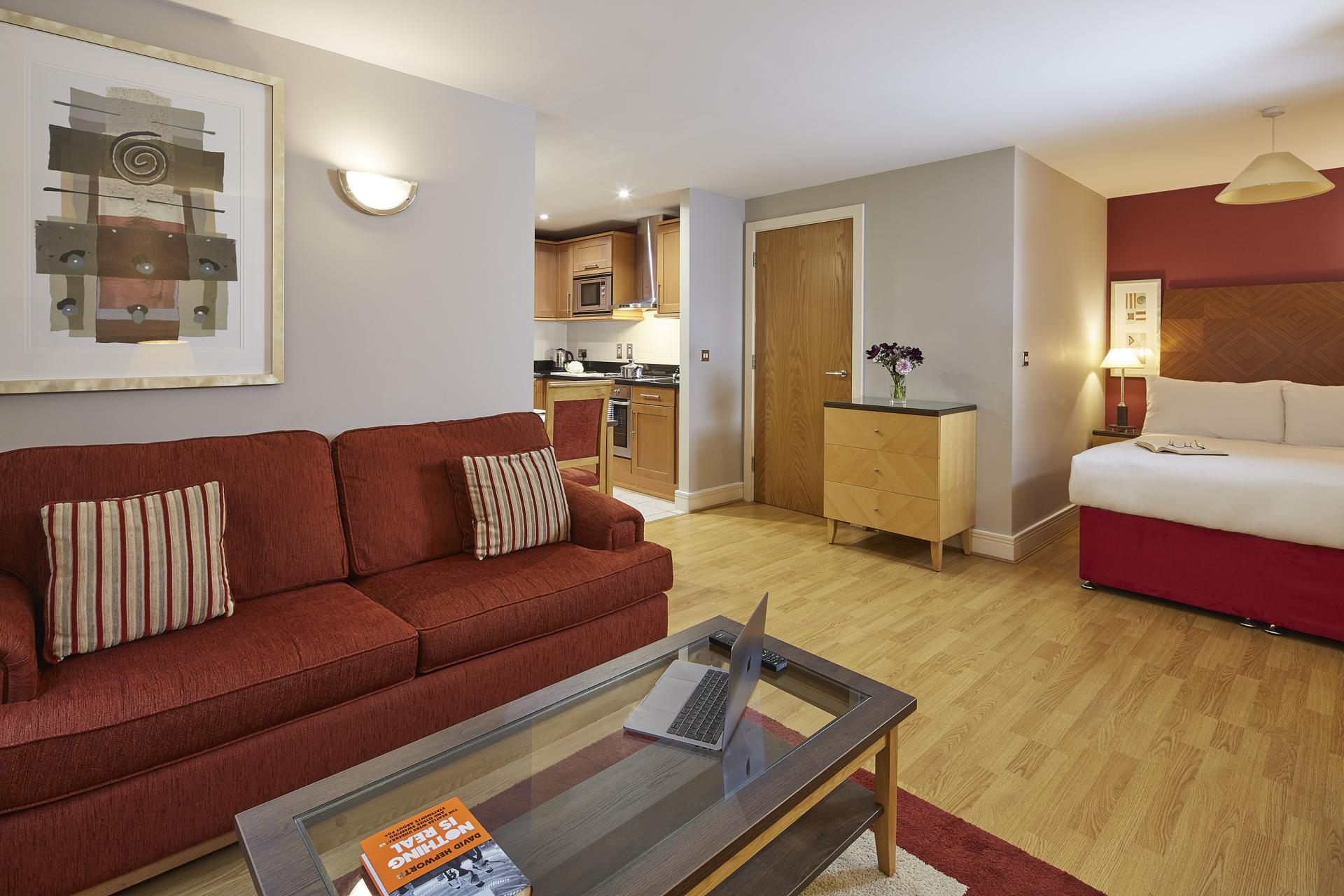 Spacious studio at Queen Street St Paul's Apartments, Mansion House, London - Citybase Apartments