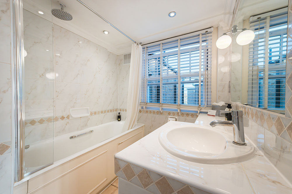 Bathroom at No.1 The Mansions Apartments, Earls Court, London - Citybase Apartments