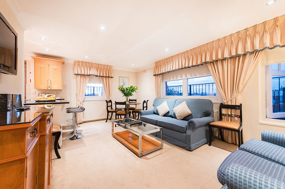 Living area at No.1 The Mansions Apartments, Earls Court, London - Citybase Apartments