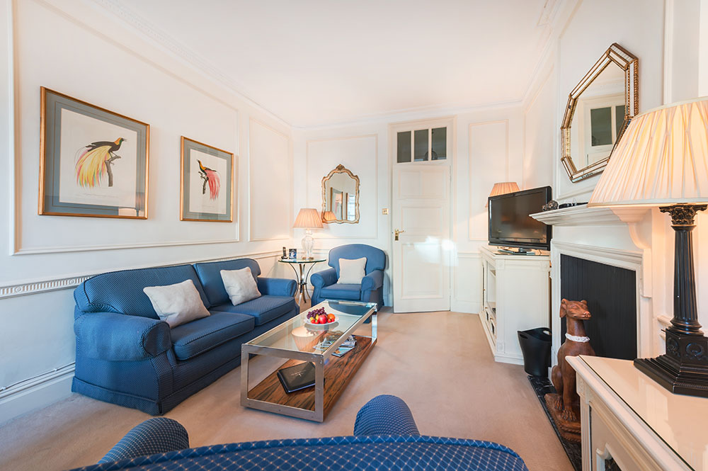 Sofas at 44 Curzon Street Apartment, Green Park, London - Citybase Apartments