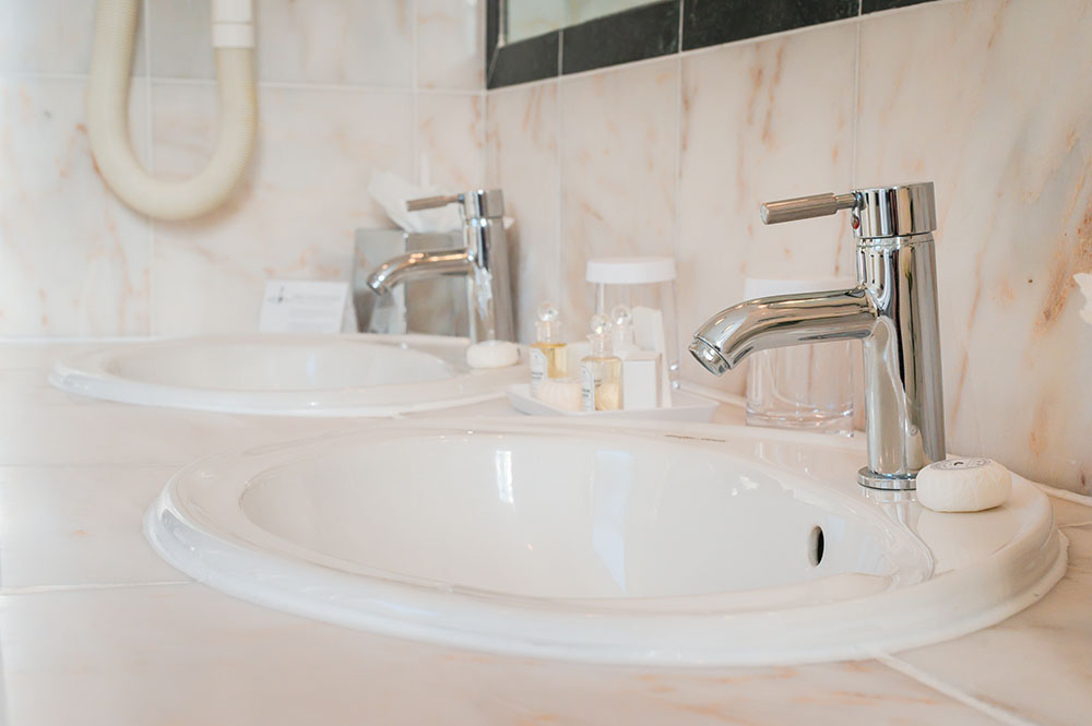 Sink at 44 Curzon Street Apartment, Green Park, London - Citybase Apartments