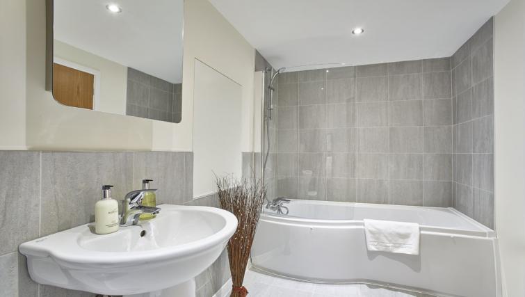 Bathroom at Jupiter Heights Apartments - Citybase Apartments