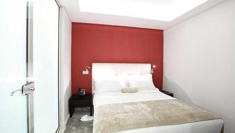 Bed at The Fourteen Apartments - Citybase Apartments