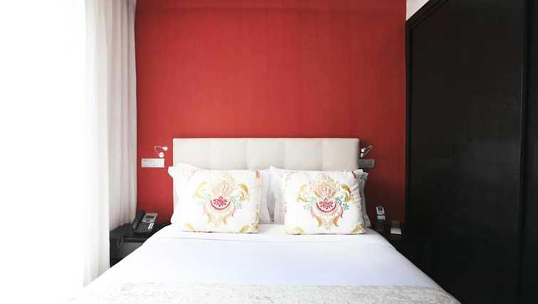 Double bed at The Fourteen Apartments - Citybase Apartments