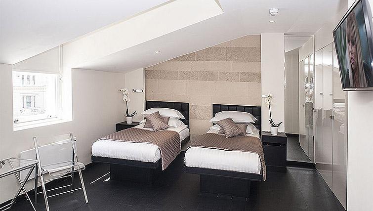 Twin studio at 88 Studios Kensington - Citybase Apartments