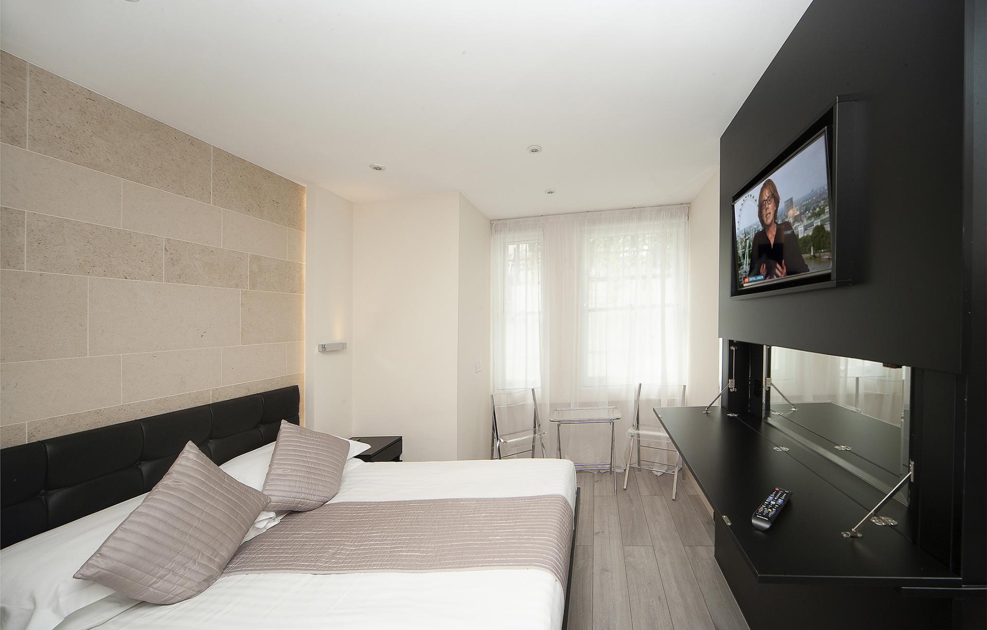 TV at 88 Studios Kensington - Citybase Apartments