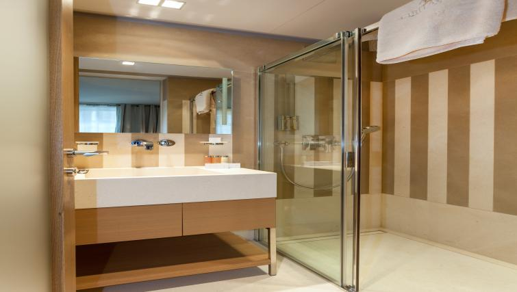 Bathroom at Guillaume Suites - Citybase Apartments