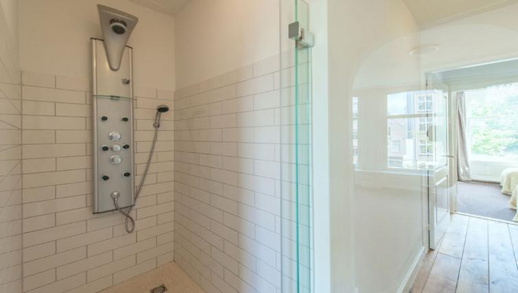 Bathroom at Jordaan Westerstraat, Amsterdam - Citybase Apartments