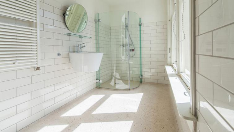 Shower at Jordaan Westerstraat, Amsterdam - Citybase Apartments