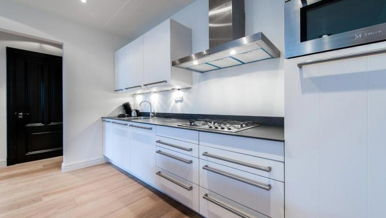Kitchen at the Tropen Commelinstraat Apartments, Amsterdam - Citybase Apartments