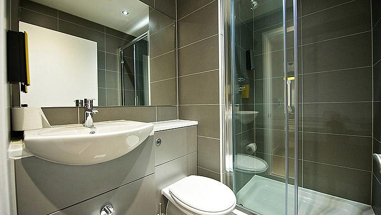 Bathroom at Staycity Birmingham Newhall Square - Citybase Apartments