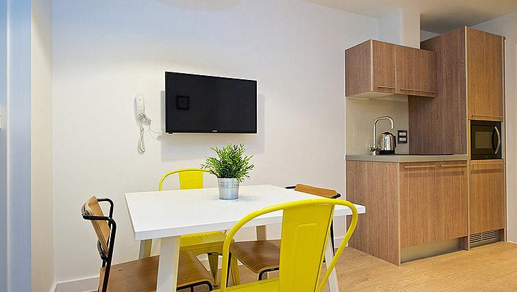 Dining table at Staycity Birmingham Newhall Square - Citybase Apartments
