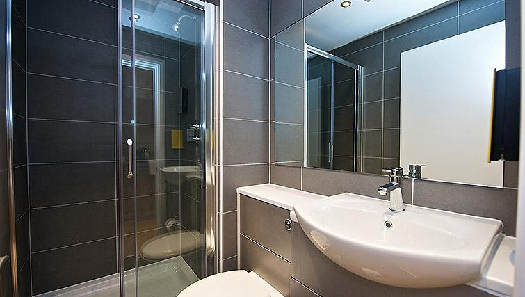 Shower room at Staycity Birmingham Newhall Square - Citybase Apartments
