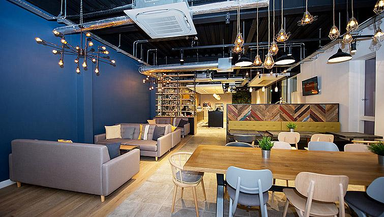 Lobby at Staycity Birmingham Newhall Square - Citybase Apartments