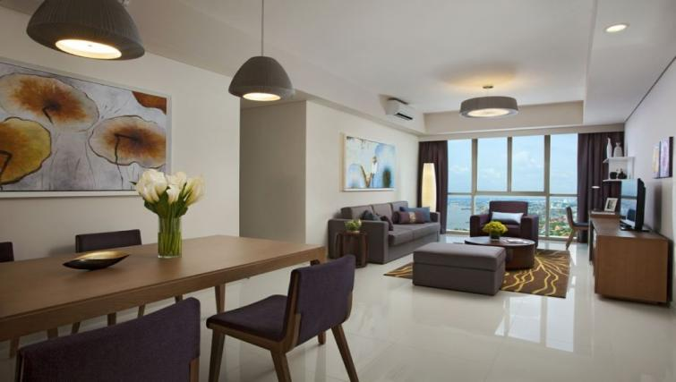 Dining and living space at Somerset Vista Apartments - Citybase Apartments