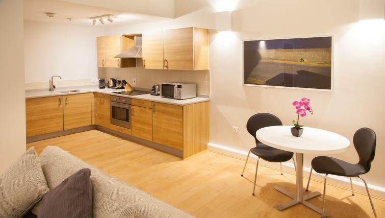 Kitchen at Premier Suites Plus Glasgow - Citybase Apartments