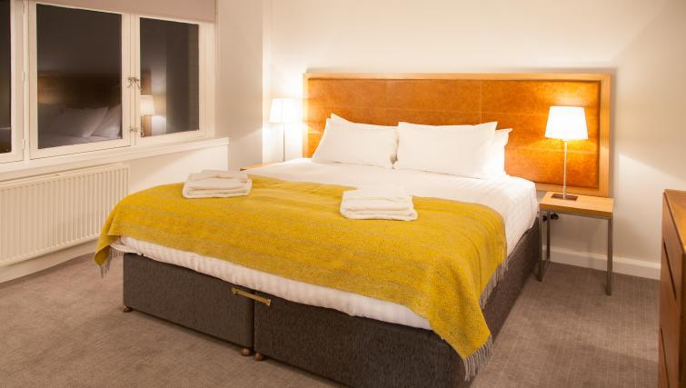 Bed at Premier Suites Plus Glasgow - Citybase Apartments