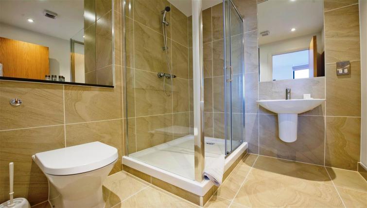 Bathroom at Flying Butler London Bridge Apartments - Citybase Apartments