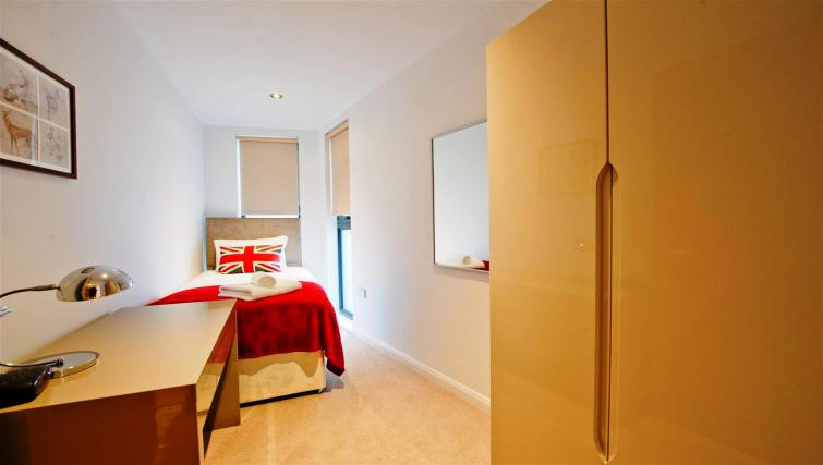Single bedroom at Flying Butler London Bridge Apartments - Citybase Apartments
