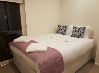 Double bed at Still Life Clerkenwell Deluxe - Citybase Apartments