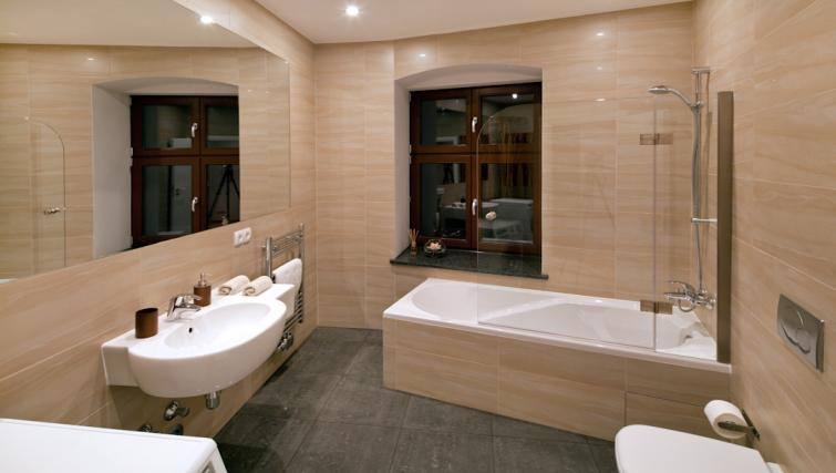Bathroom in 1 bed at Luxoise Apartments - Citybase Apartments