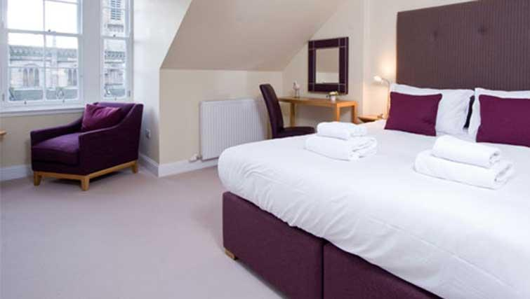 Spacious bedroom at Princes Street Residence - Citybase Apartments