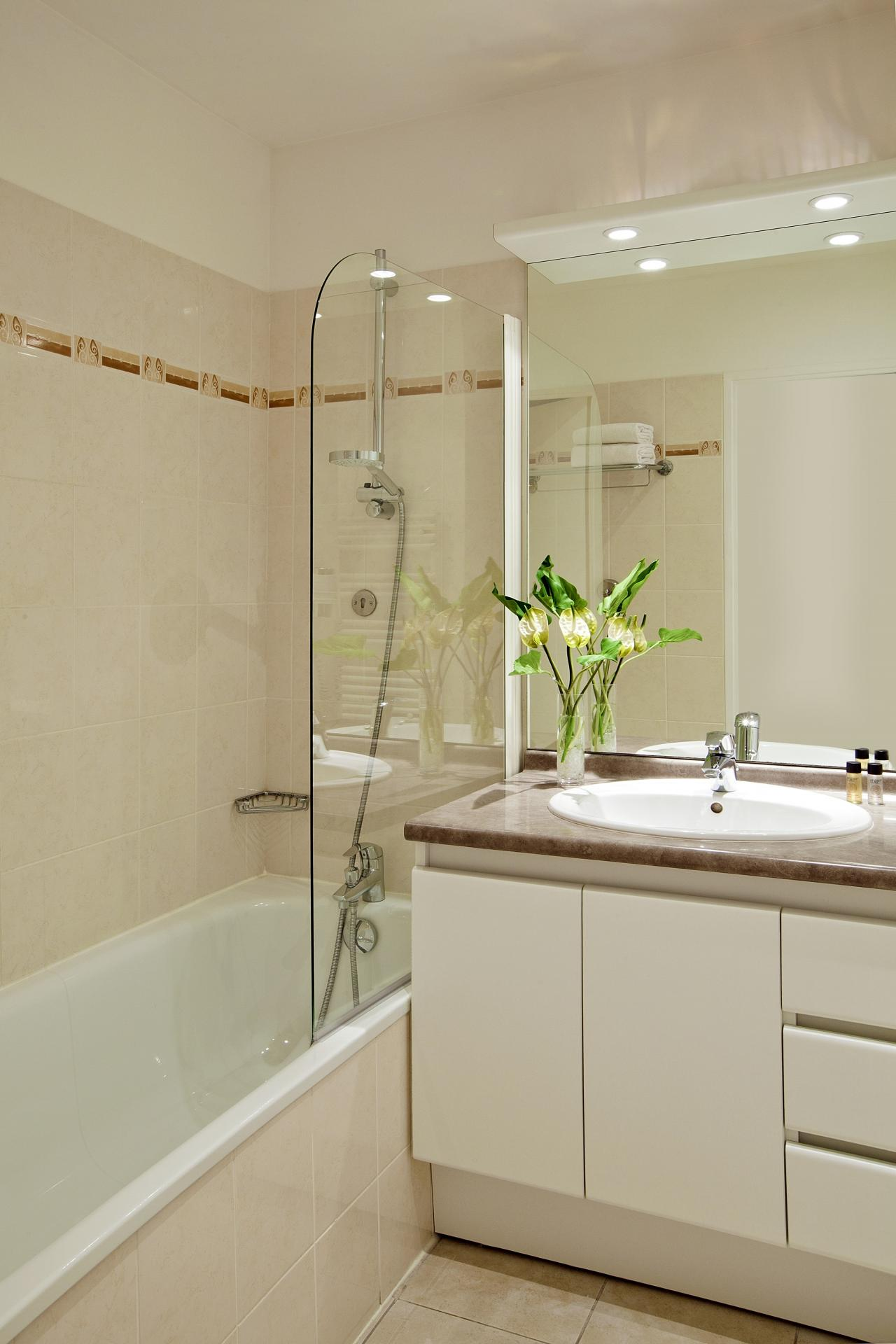 Bathroom at Residhome Bois Colombes Monceau Apartments - Citybase Apartments