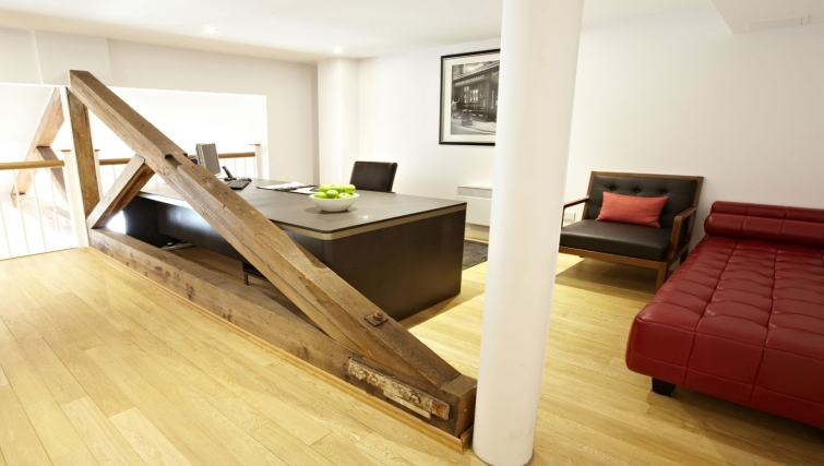 Effective working area in 196 Bishopsgate Apartments - Citybase Apartments