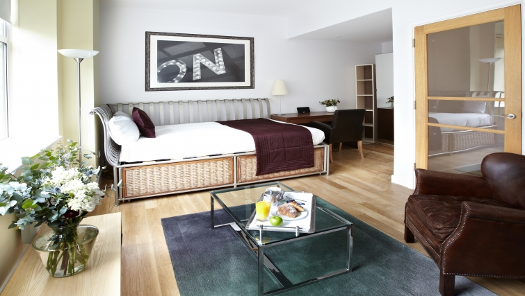 Spacious bedroom at 196 Bishopsgate Apartments - Citybase Apartments
