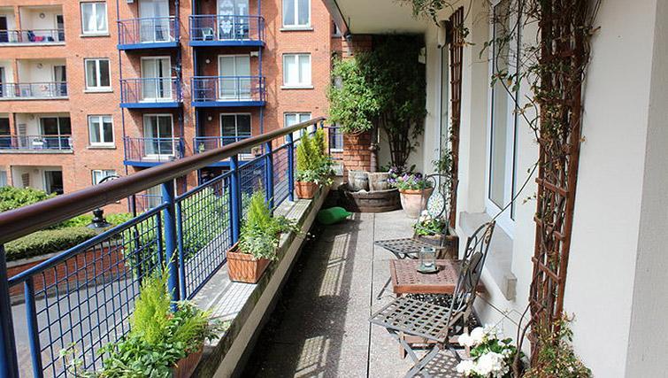 Balcony at The Argyle Apartment - Citybase Apartments