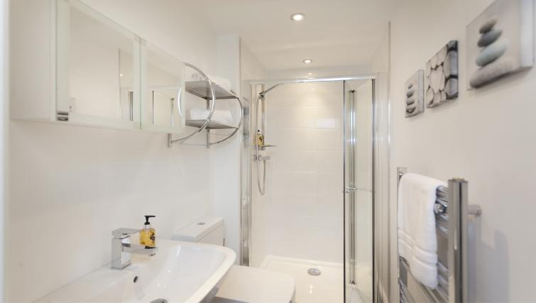 Sink at Bowling Green Courtyard Apartments - Citybase Apartments