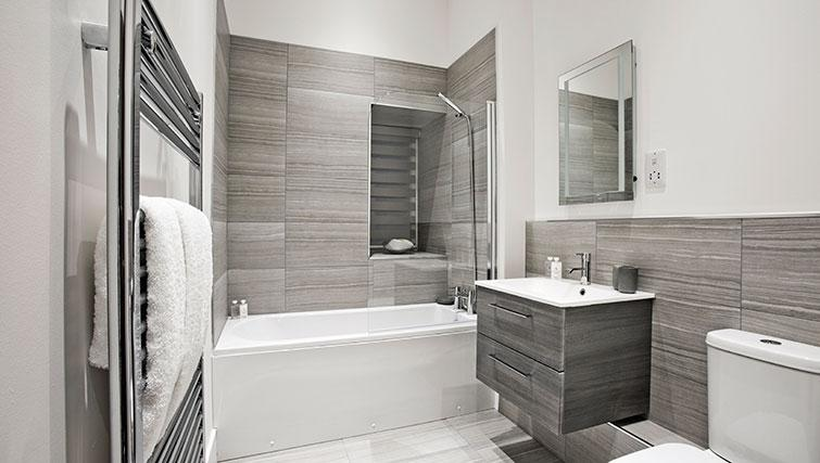 Bathroom at Apple Apartments Devanha Gardens - Citybase Apartments