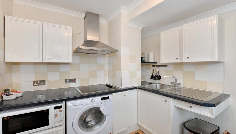 Fully equipped kitchen at 43-49 Chiltern Street Apartments - Citybase Apartments