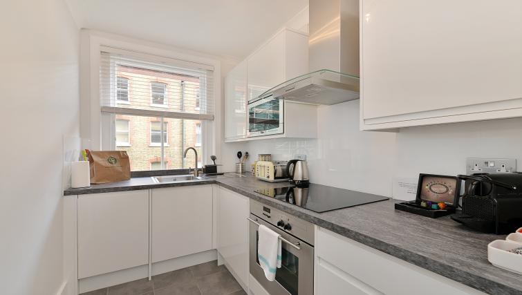 Equipped kitchen at 43-49 Chiltern Street Apartments - Citybase Apartments