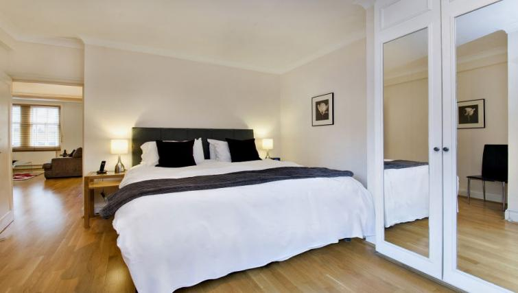 Bed at 43-49 Chiltern Street Apartments - Citybase Apartments