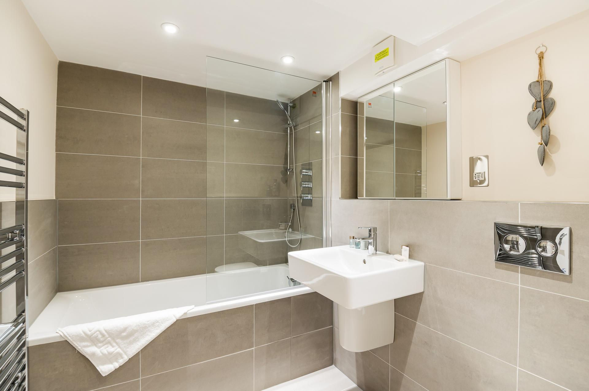 Bathroom at Flying Butler Vincent Square Apartments, Victoria, London - Citybase Apartments